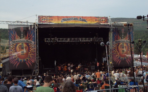 The Avett Brothers @ The Main Stage