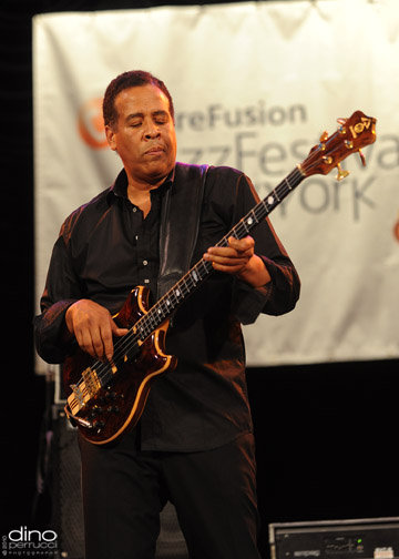 Stanley Clarke (Photo by: Dino Perrucci)