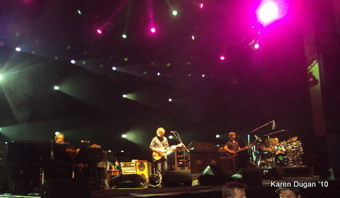MY FIRST PHISH SHOW!!! @ Comcast Theater ~ Hartford, CT (06.18.10) (2/6)