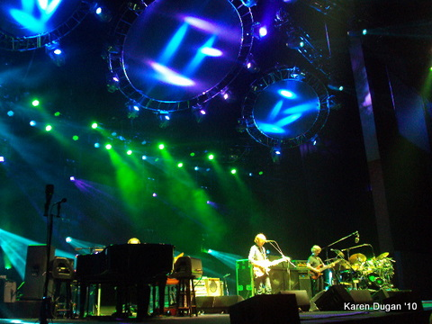MY FIRST PHISH SHOW!!! @ Comcast Theater ~ Hartford, CT (06.18.10) (3/6)