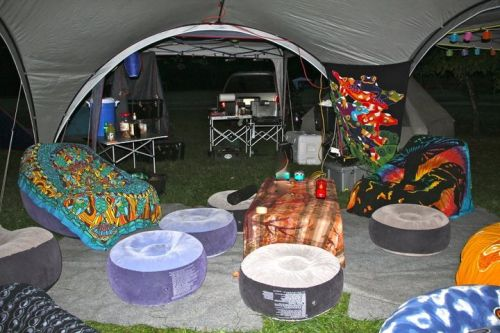OUR HIPPIE DOME for the weekend! Thanks to John and Eric Way for thier hard work!
