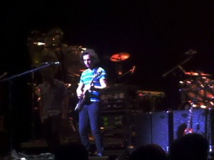 Dweezil Zappa raging his strings...