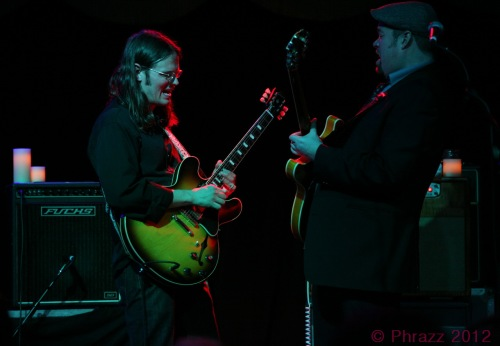 Luther Dickinson and Eric Krasno (Photo by Phrazz)